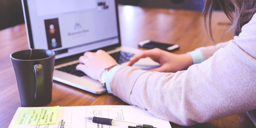 travail-ordinateur-portable